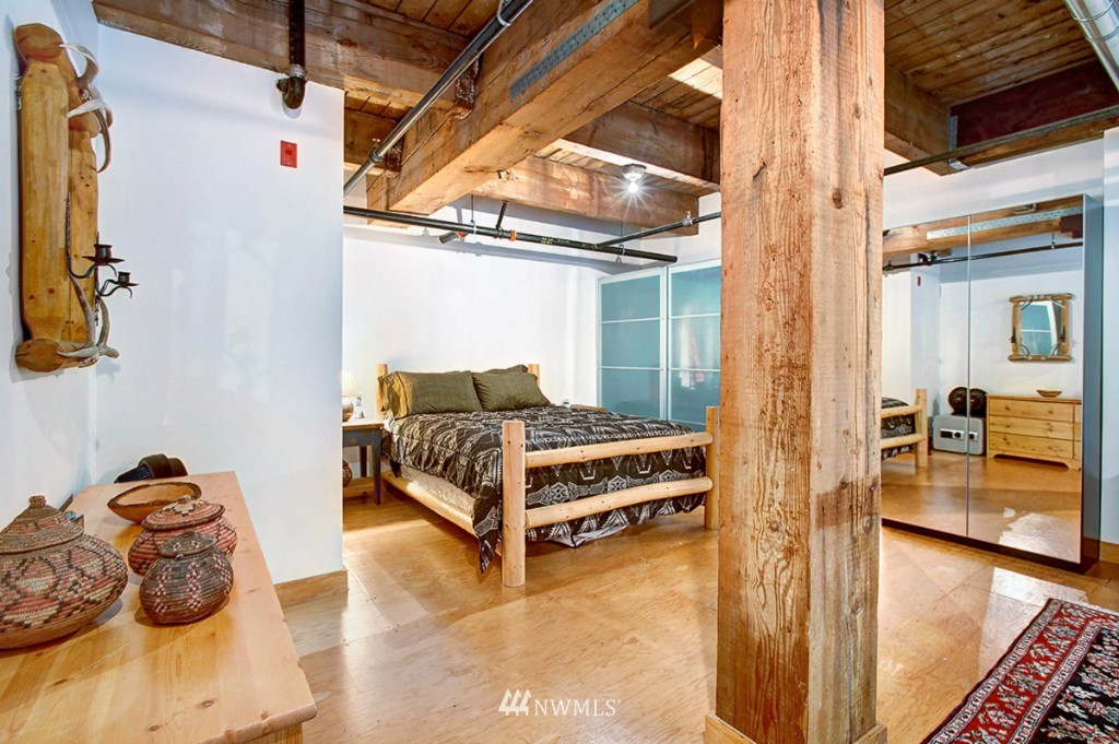 Sold Property | 1505 11 Avenue #202 Seattle, WA 98122 8