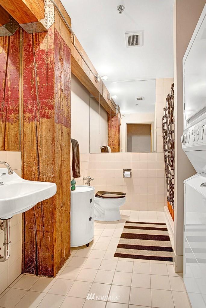 Sold Property | 1505 11 Avenue #202 Seattle, WA 98122 11