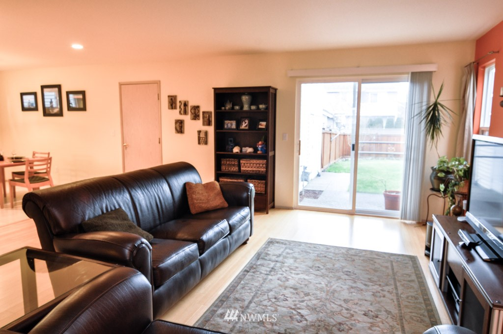 Sold Property | 7024 Autumn Avenue SE Snoqualmie, WA 98065 2
