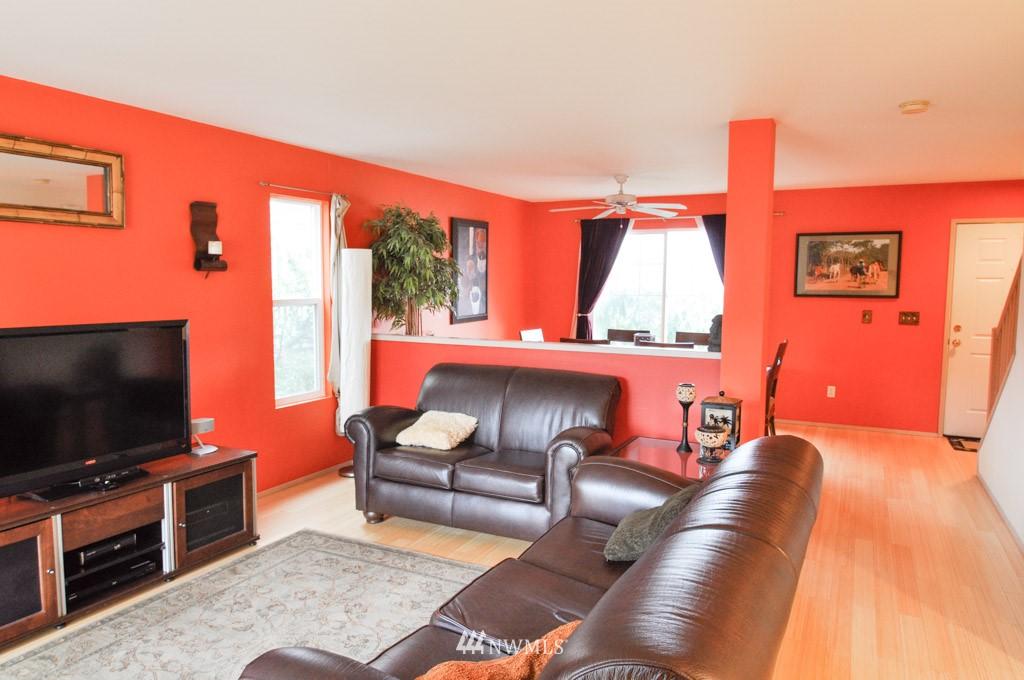 Sold Property | 7024 Autumn Avenue SE Snoqualmie, WA 98065 3