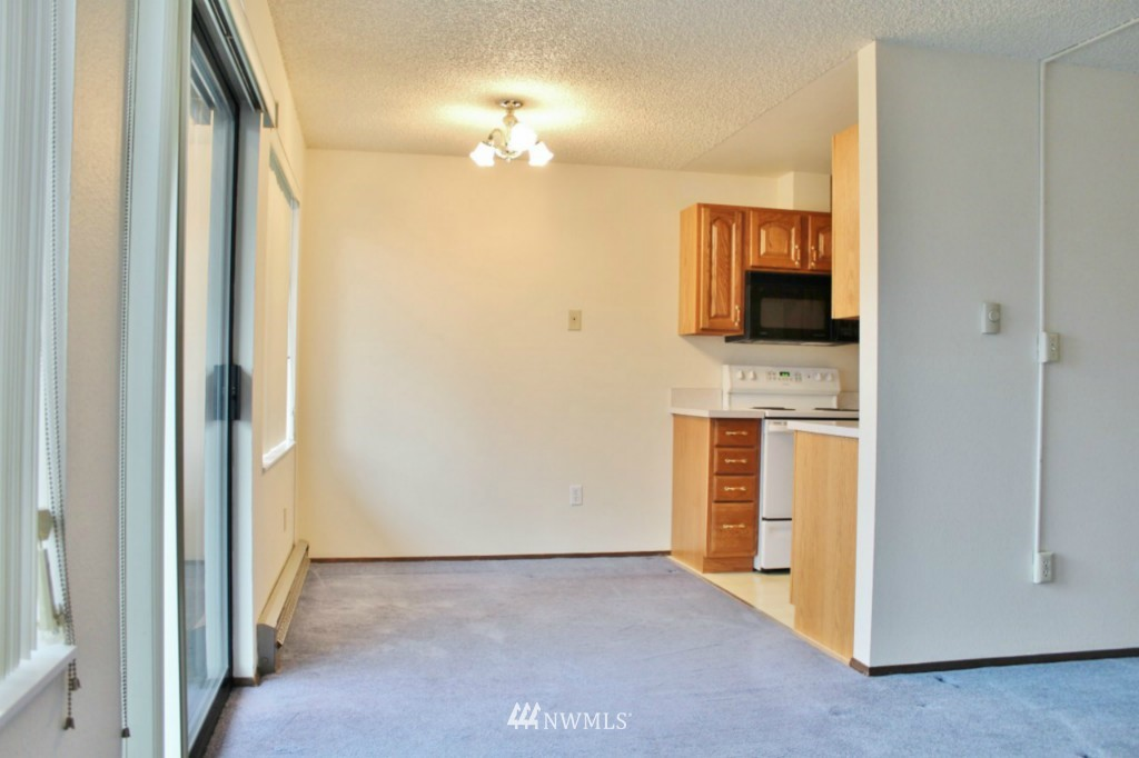 Sold Property   6110 24th Avenue NW #106 Seattle, WA 98107 5