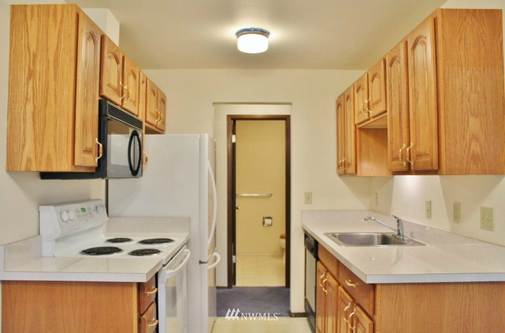 Sold Property   6110 24th Avenue NW #106 Seattle, WA 98107 6