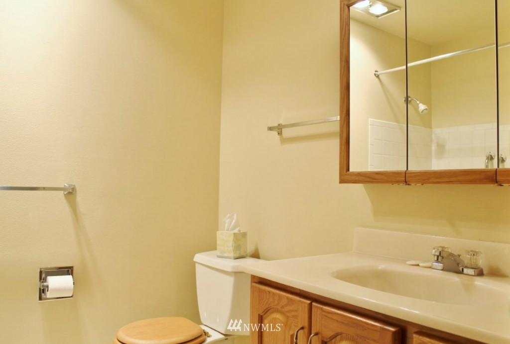 Sold Property   6110 24th Avenue NW #106 Seattle, WA 98107 9