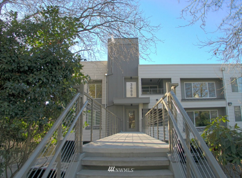 Sold Property | 3609 14th Avenue W #G1 Seattle, WA 98119 12