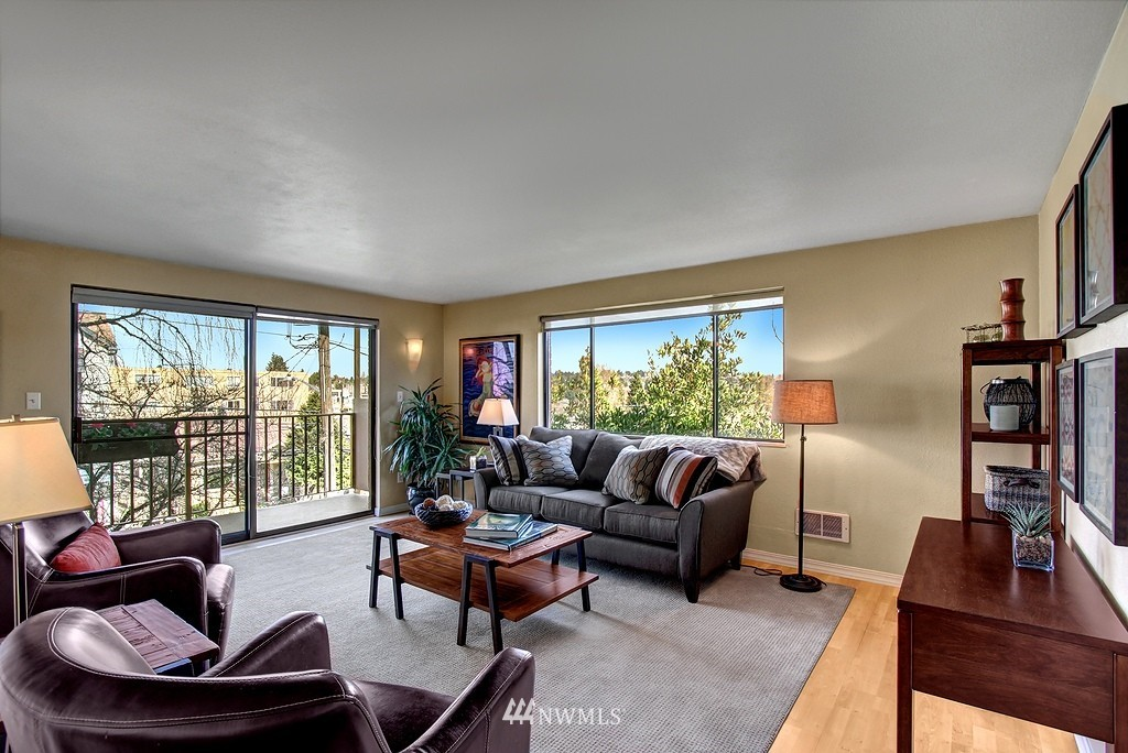 Sold Property   911 N 73rd Street #303 Seattle, WA 98103 0
