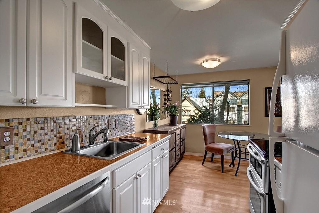 Sold Property   911 N 73rd Street #303 Seattle, WA 98103 2