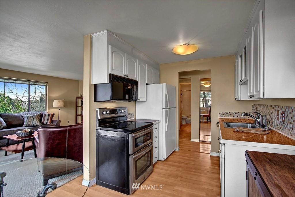 Sold Property   911 N 73rd Street #303 Seattle, WA 98103 3