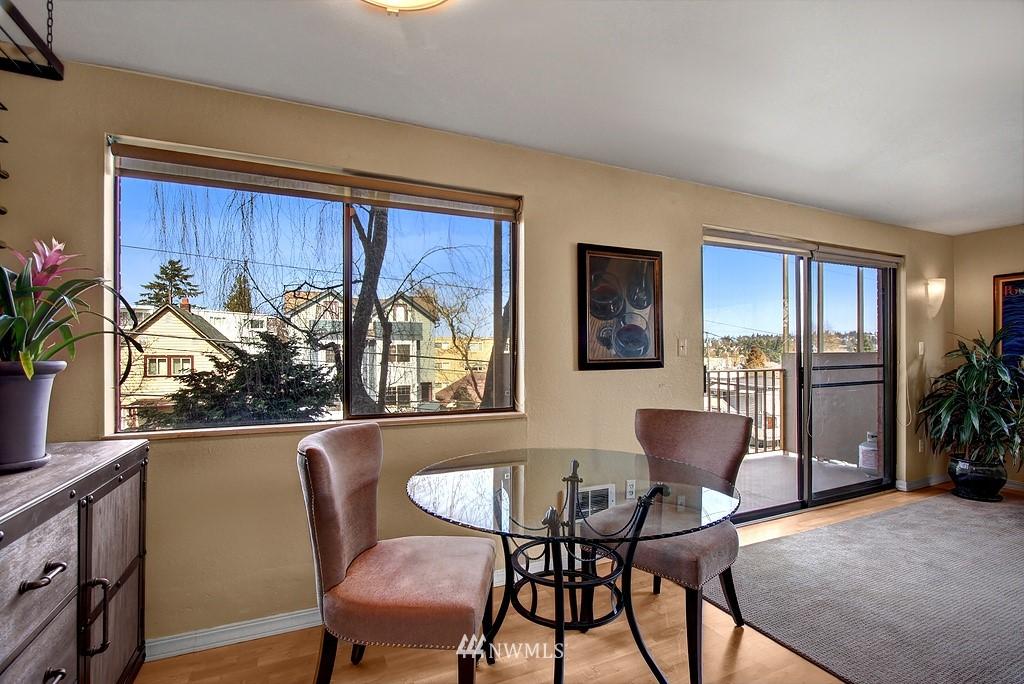 Sold Property   911 N 73rd Street #303 Seattle, WA 98103 4