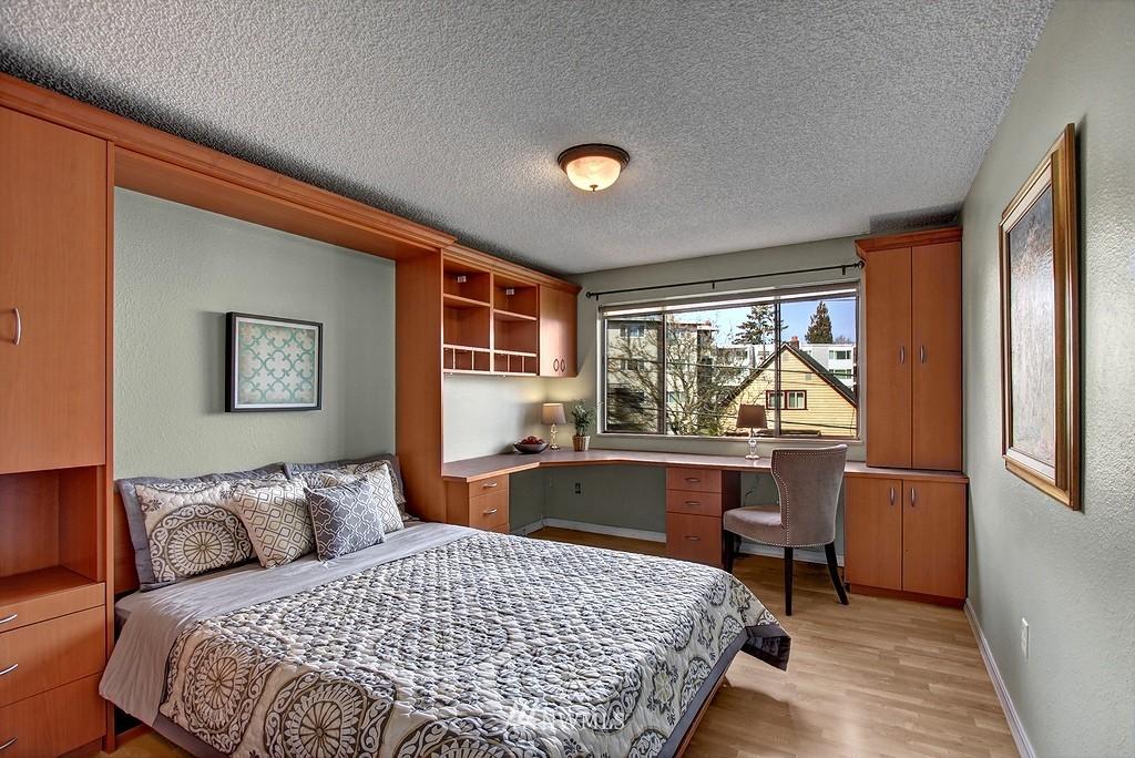 Sold Property   911 N 73rd Street #303 Seattle, WA 98103 6