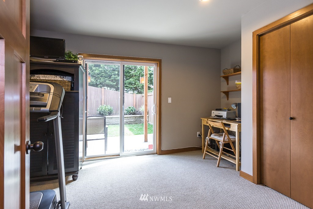 Sold Property | 9748 4th Avenue NW #C Seattle, WA 98117 12