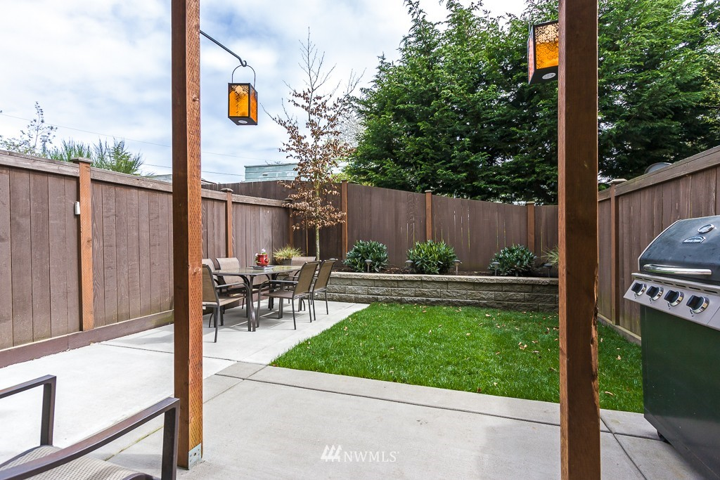 Sold Property | 9748 4th Avenue NW #C Seattle, WA 98117 15