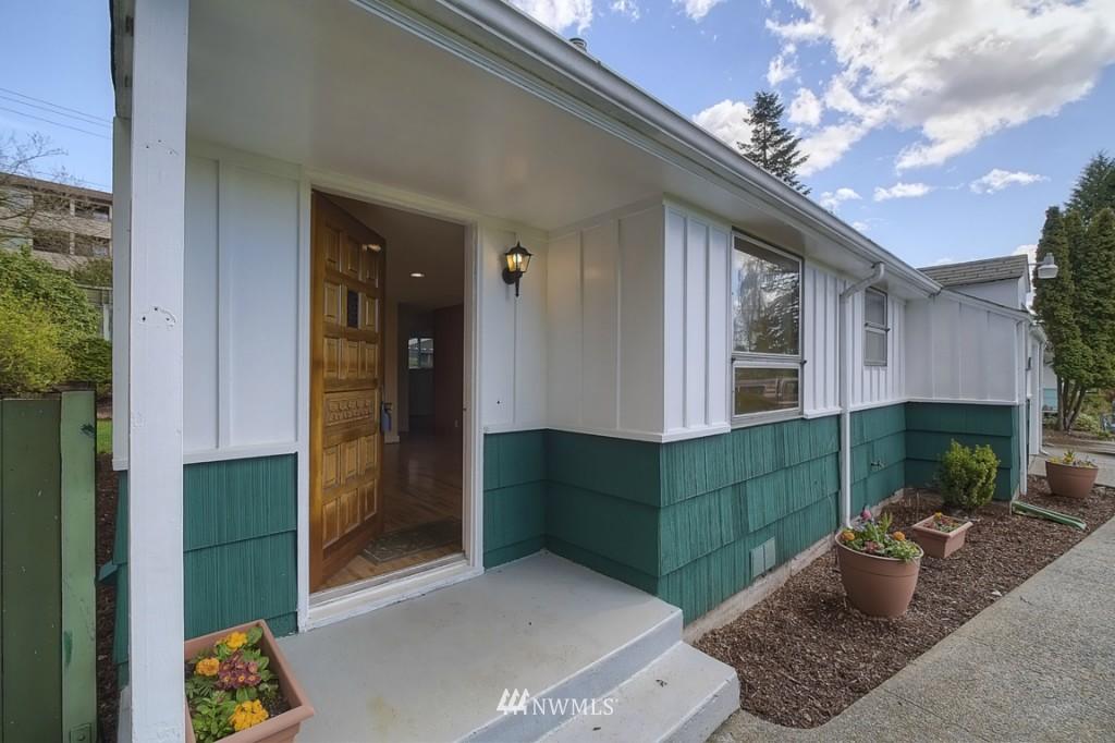 Sold Property | 17050 14th Avenue NE Shoreline, WA 98155 1
