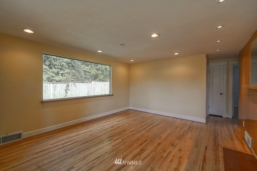 Sold Property | 17050 14th Avenue NE Shoreline, WA 98155 3