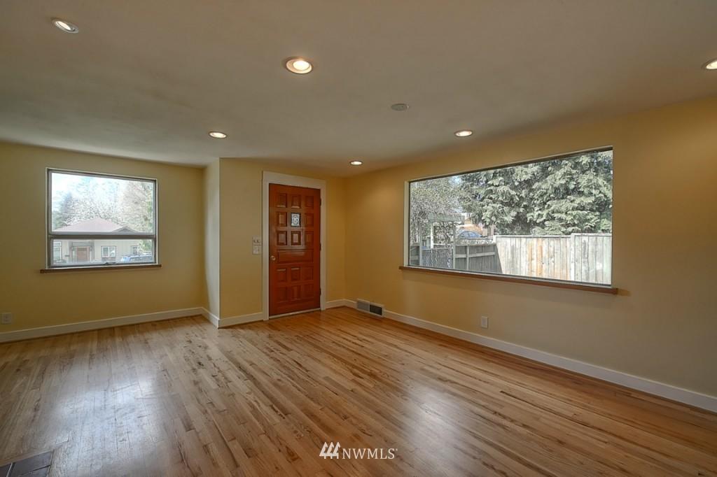 Sold Property | 17050 14th Avenue NE Shoreline, WA 98155 4