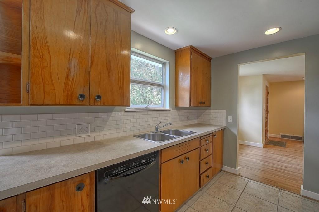 Sold Property | 17050 14th Avenue NE Shoreline, WA 98155 7