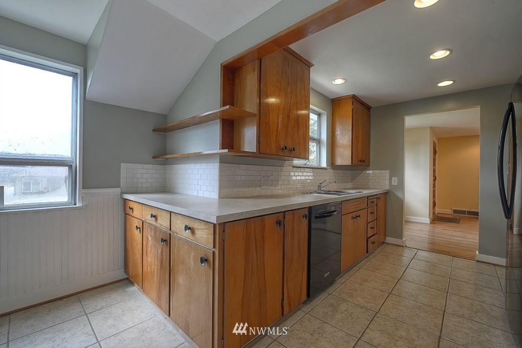 Sold Property | 17050 14th Avenue NE Shoreline, WA 98155 8
