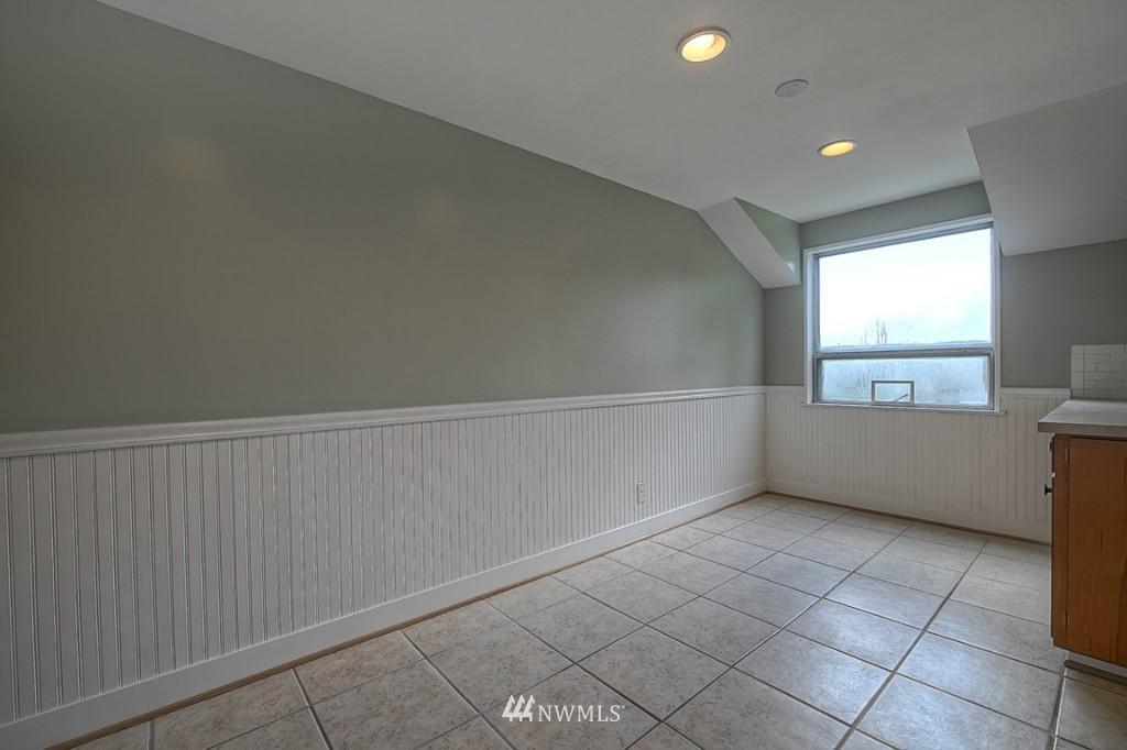 Sold Property | 17050 14th Avenue NE Shoreline, WA 98155 9