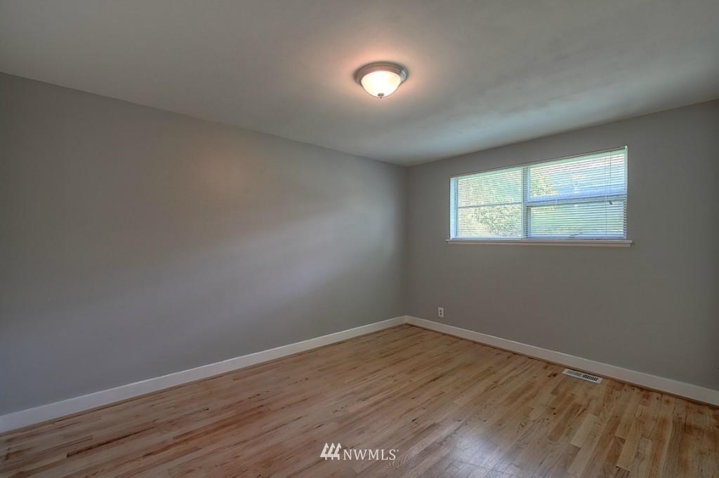 Sold Property | 17050 14th Avenue NE Shoreline, WA 98155 10