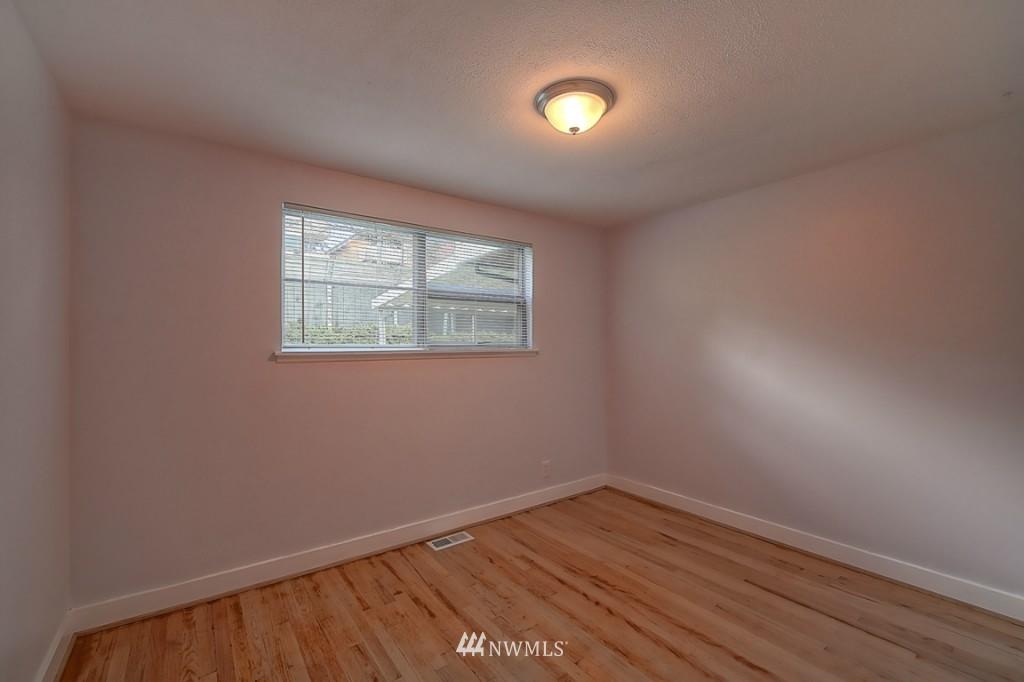 Sold Property | 17050 14th Avenue NE Shoreline, WA 98155 11