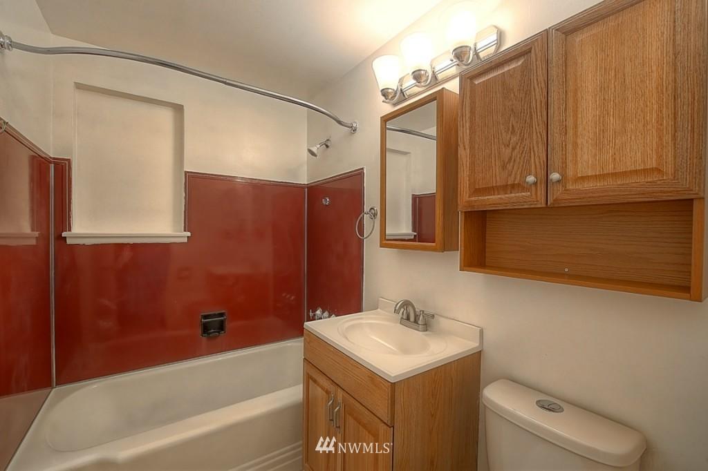 Sold Property | 17050 14th Avenue NE Shoreline, WA 98155 12