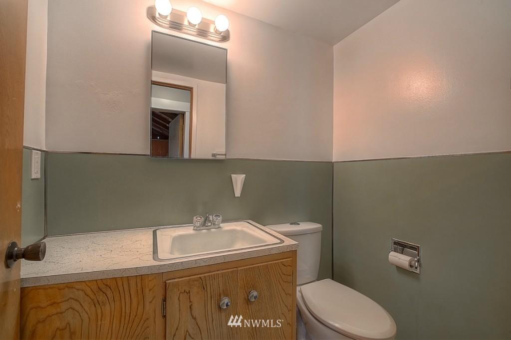 Sold Property | 17050 14th Avenue NE Shoreline, WA 98155 16