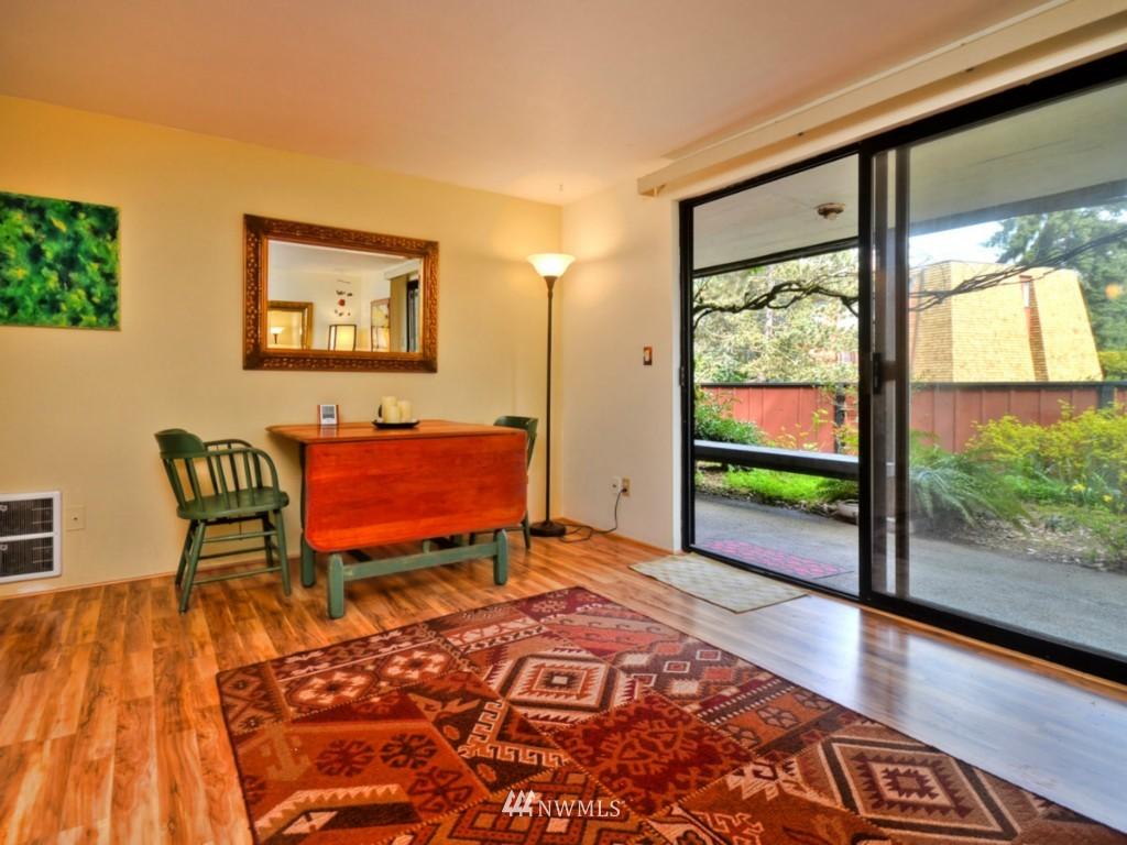 Sold Property   10727 Burke Avenue N #B6 Seattle, WA 98133 4