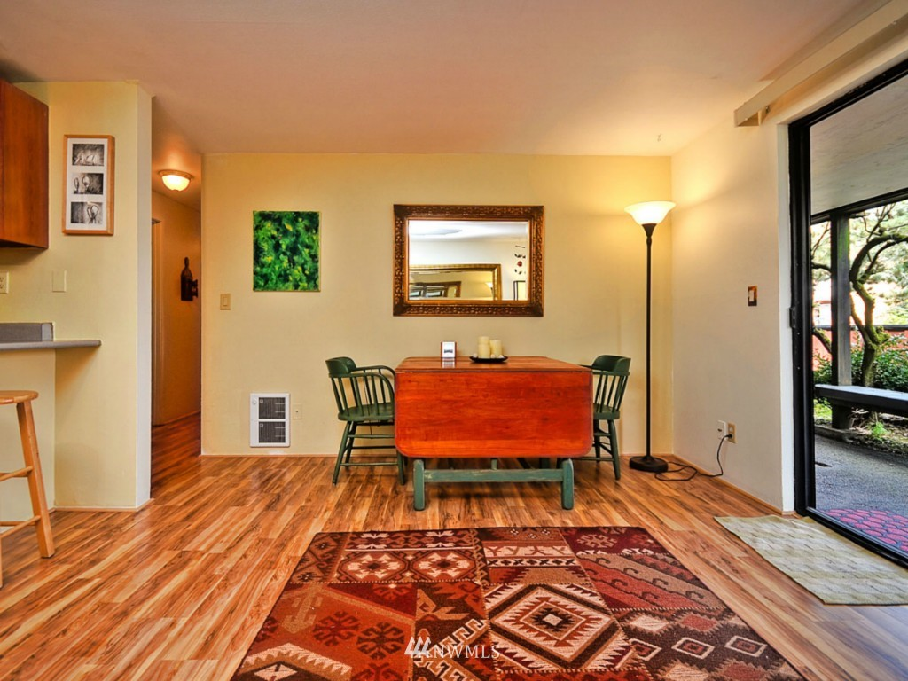 Sold Property   10727 Burke Avenue N #B6 Seattle, WA 98133 5