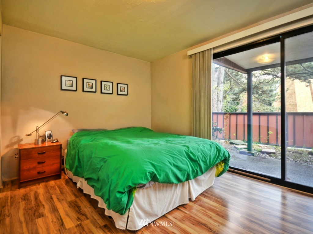 Sold Property   10727 Burke Avenue N #B6 Seattle, WA 98133 10
