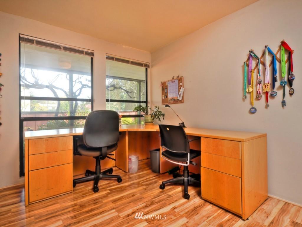 Sold Property   10727 Burke Avenue N #B6 Seattle, WA 98133 14