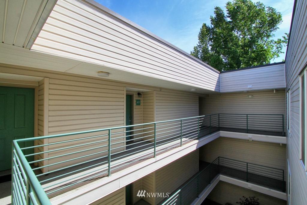 Sold Property | 2301 NE Blakeley Street #405 Seattle, WA 98105 1