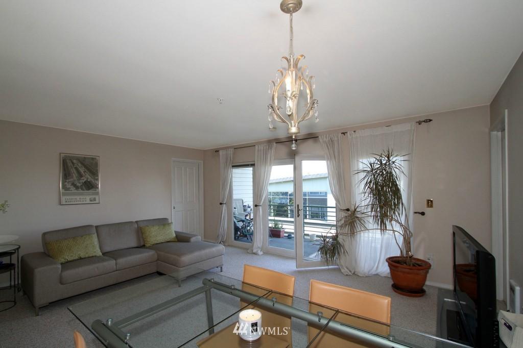 Sold Property | 2301 NE Blakeley Street #405 Seattle, WA 98105 4