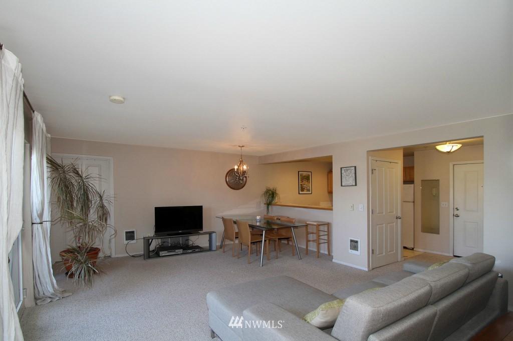 Sold Property | 2301 NE Blakeley Street #405 Seattle, WA 98105 8