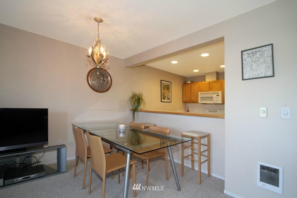 Sold Property | 2301 NE Blakeley Street #405 Seattle, WA 98105 9
