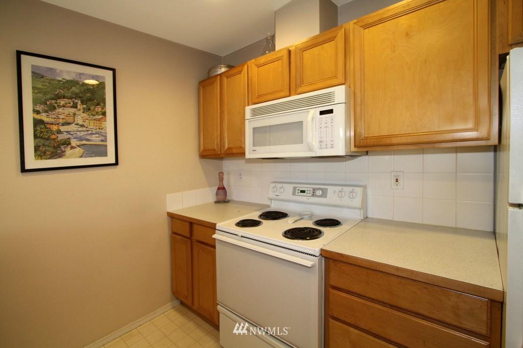 Sold Property | 2301 NE Blakeley Street #405 Seattle, WA 98105 11