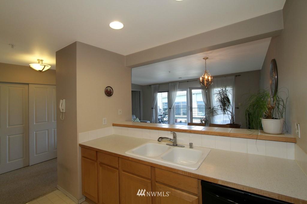 Sold Property | 2301 NE Blakeley Street #405 Seattle, WA 98105 12