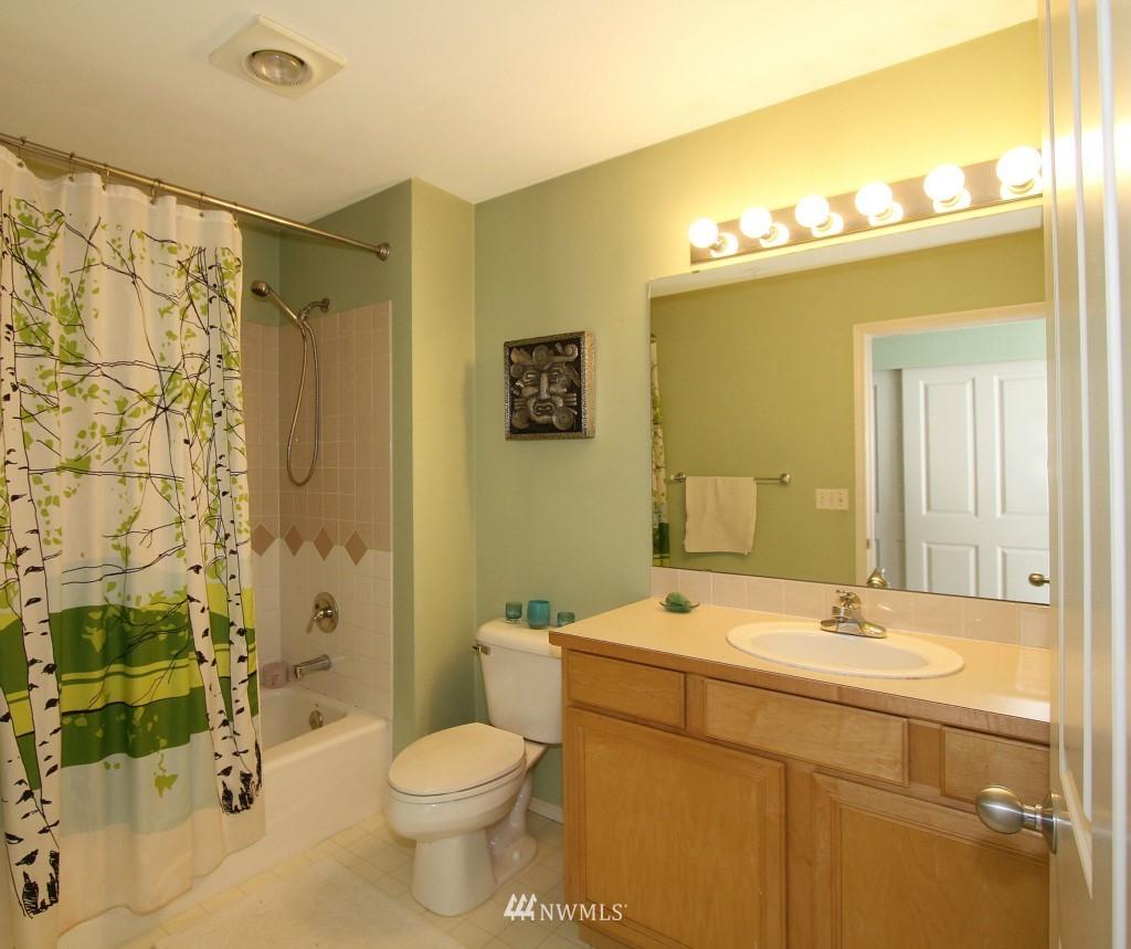 Sold Property | 2301 NE Blakeley Street #405 Seattle, WA 98105 14