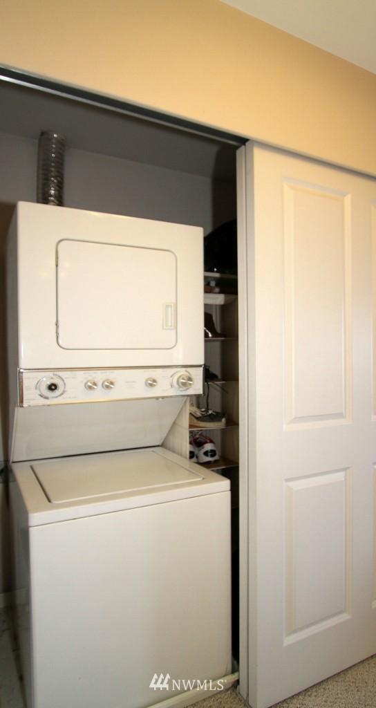 Sold Property | 2301 NE Blakeley Street #405 Seattle, WA 98105 17