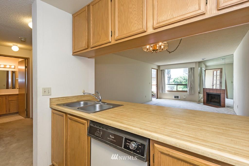 Sold Property | 10501 8th Avenue NE #134 Seattle, WA 98125 6