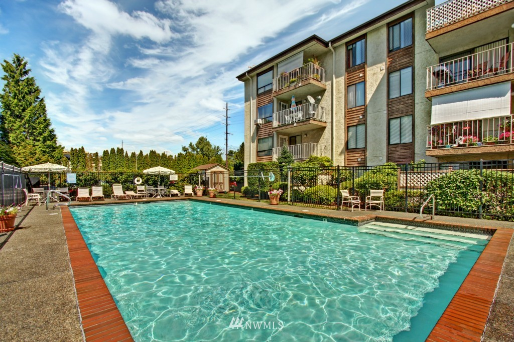 Sold Property | 10501 8th Avenue NE #134 Seattle, WA 98125 16