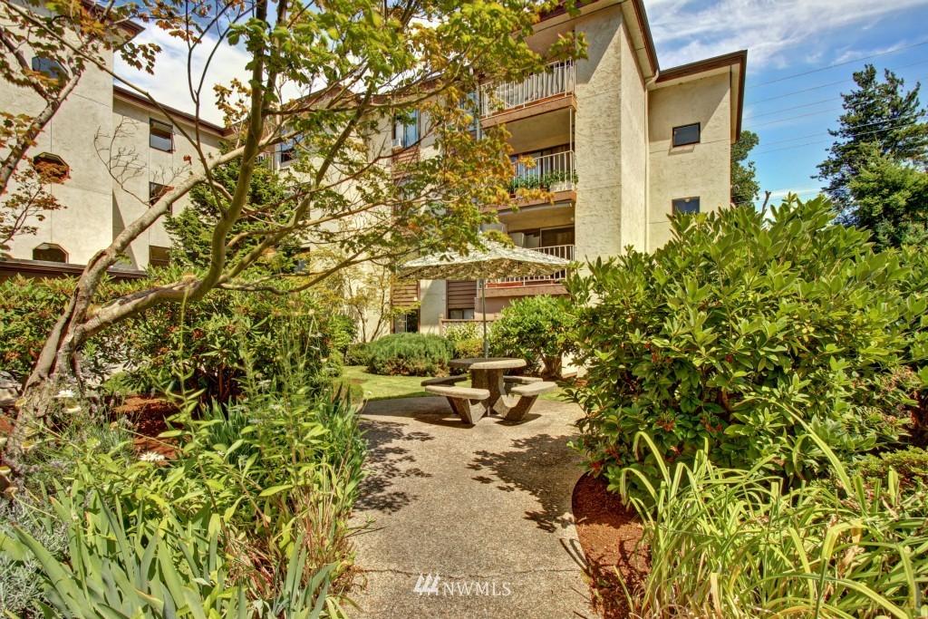 Sold Property | 10501 8th Avenue NE #134 Seattle, WA 98125 19
