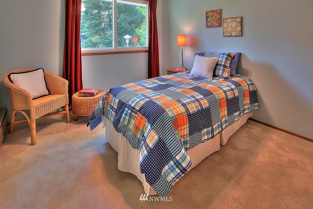 Sold Property   21120 Pioneer Way Edmonds, WA 98026 11
