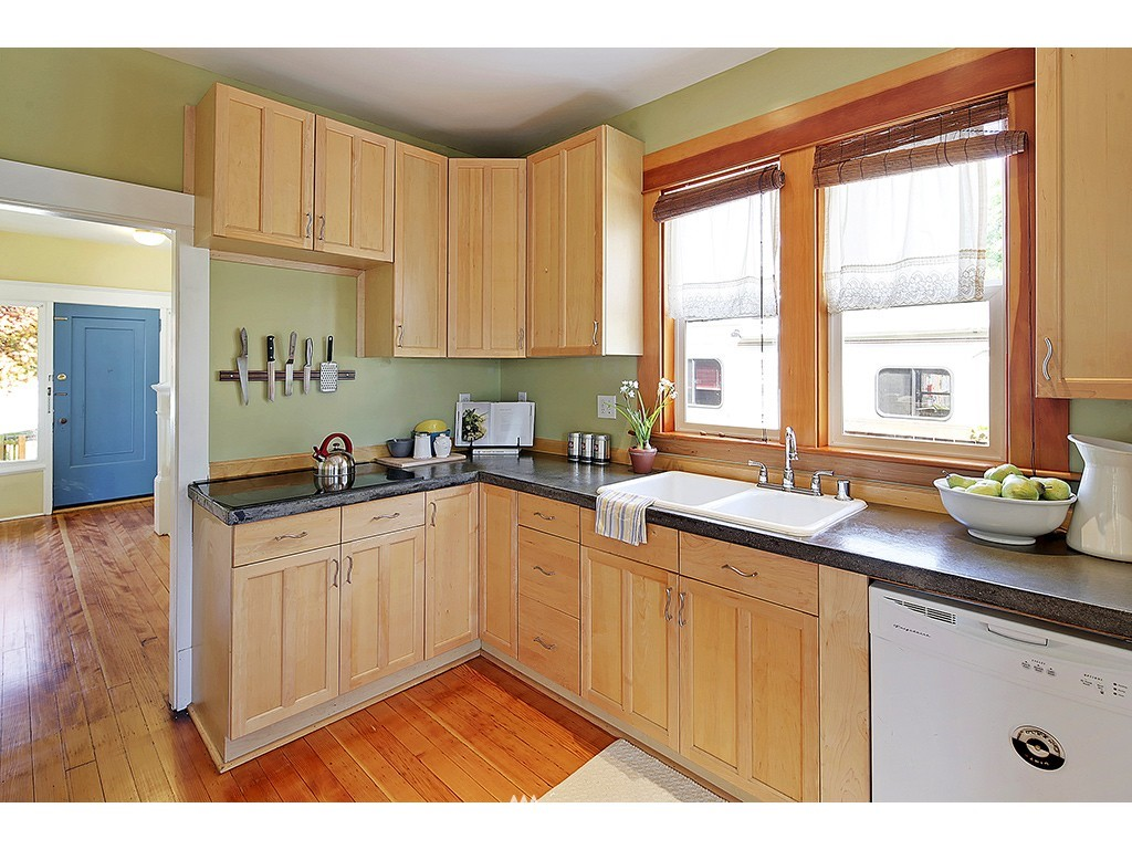 Sold Property   617 NW 44th Street Seattle, WA 98107 7