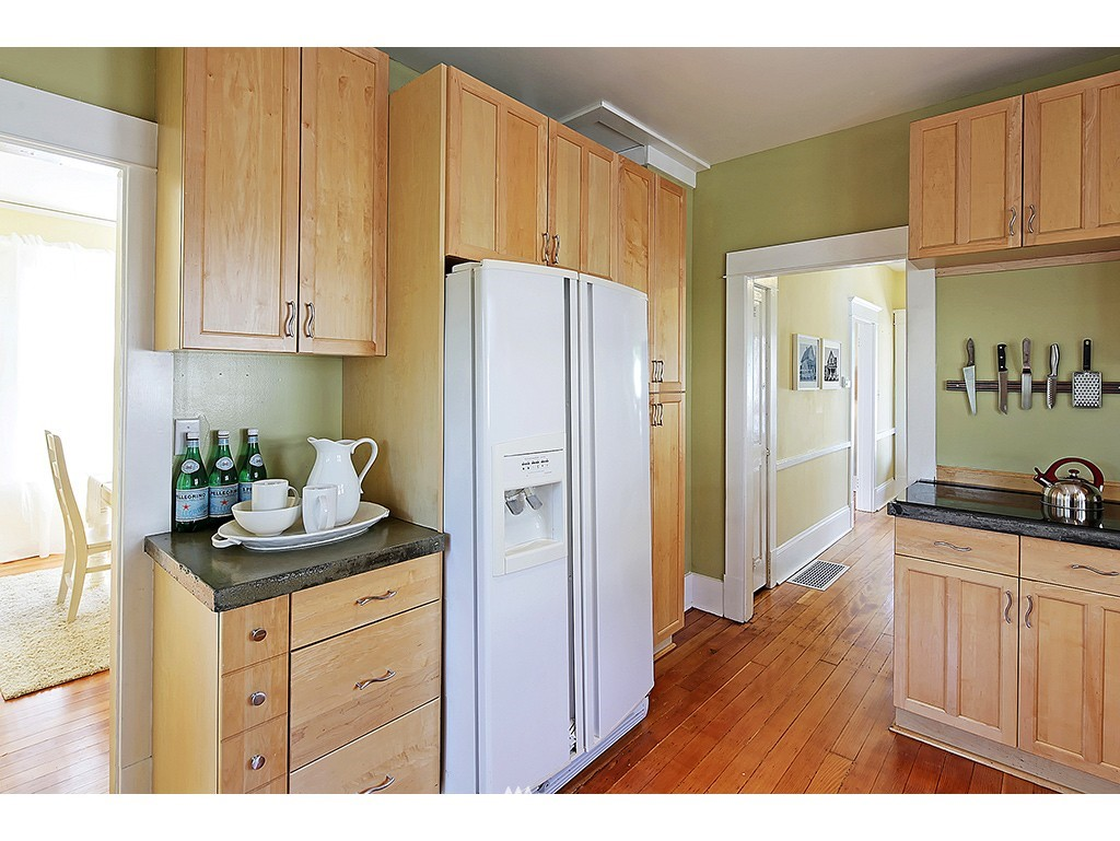 Sold Property   617 NW 44th Street Seattle, WA 98107 8