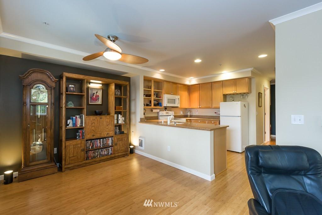 Sold Property | 7301 5th Avenue NE #201 Seattle, WA 98115 5