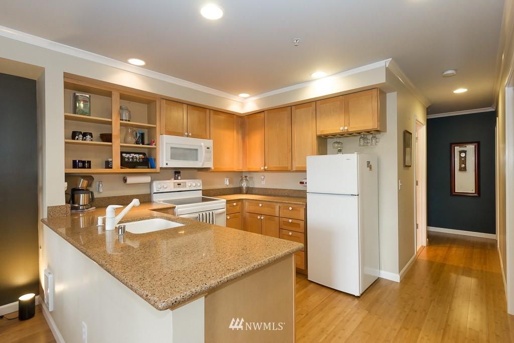 Sold Property | 7301 5th Avenue NE #201 Seattle, WA 98115 6
