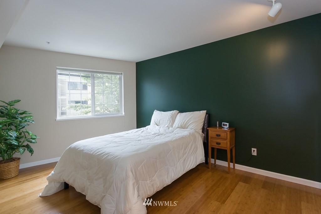 Sold Property | 7301 5th Avenue NE #201 Seattle, WA 98115 8