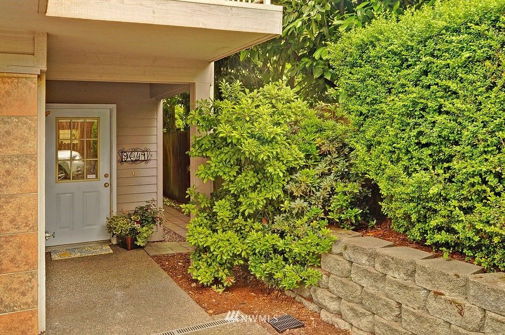 Sold Property | 9041 Mary Avenue NW #C Seattle, WA 98117 0