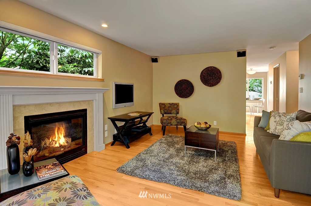Sold Property | 9041 Mary Avenue NW #C Seattle, WA 98117 3
