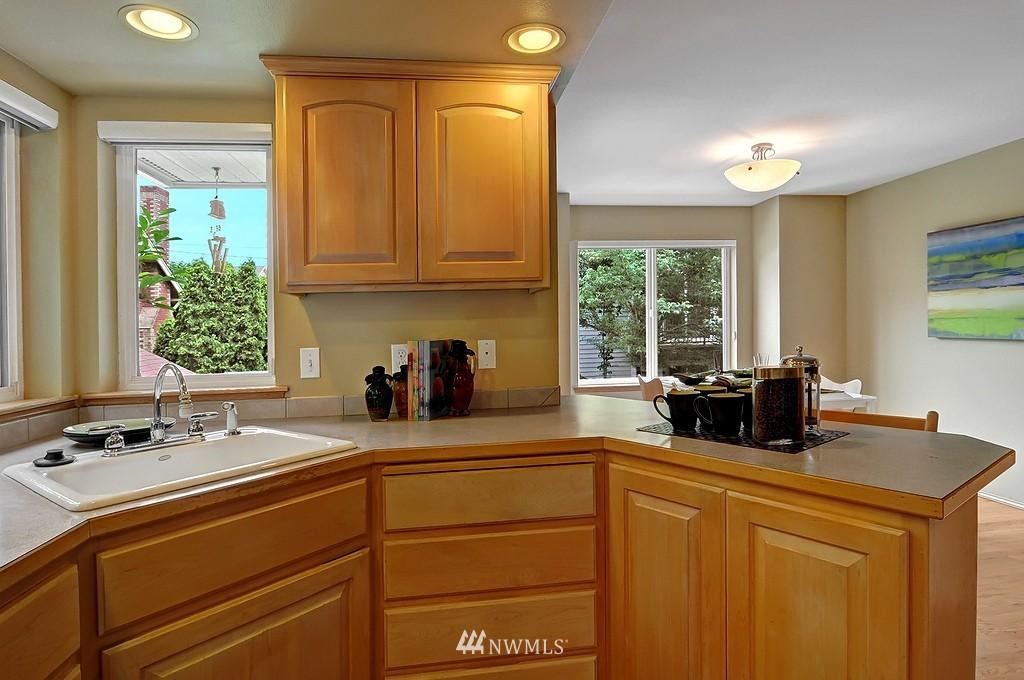 Sold Property | 9041 Mary Avenue NW #C Seattle, WA 98117 5