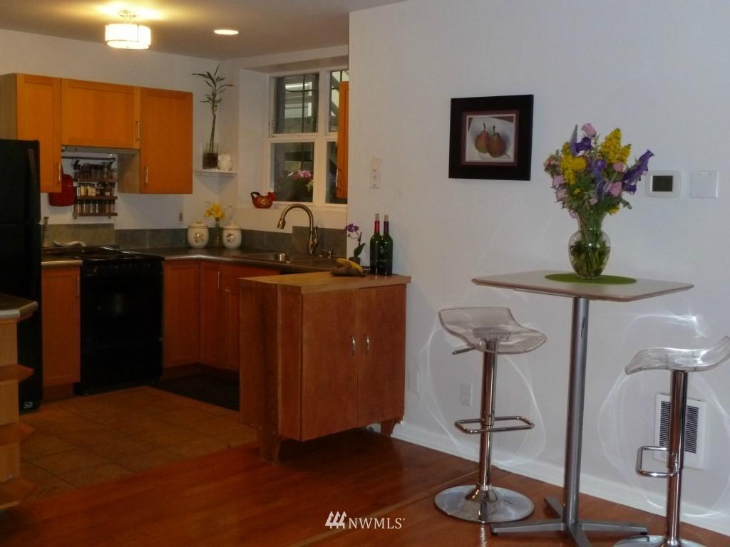 Sold Property   214 Summit Avenue E #101 Seattle, WA 98102 5